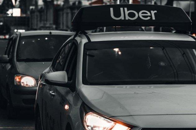 На Uber подаютьв суд за «расистську» систему розпізнавання облич для водіїв