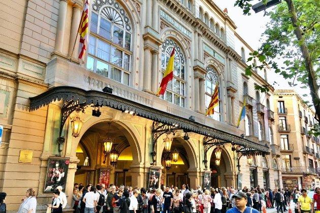На книги та походи в театр. В Іспанії 18-річні отримають від держави по €400 для підтримки культури