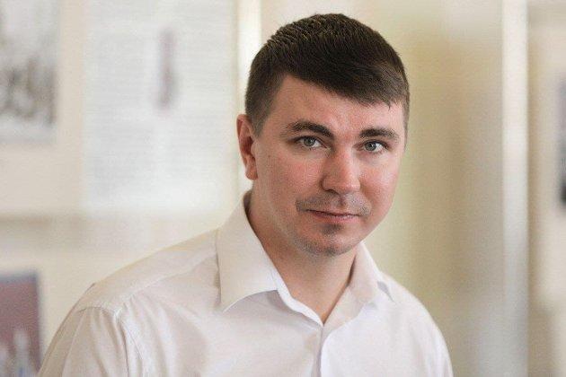 Поссорился с сожительницей и был пьян. В полиции обнародовали обстоятельства и версии смерти Полякова