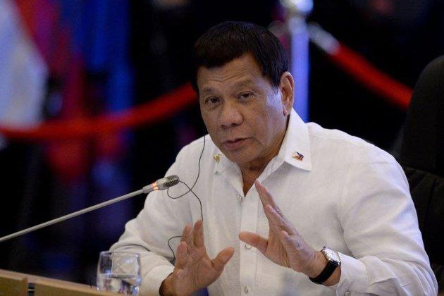 Президент Філіппін запропонував щепити антивакцинаторів проти COVID-19 уві сні