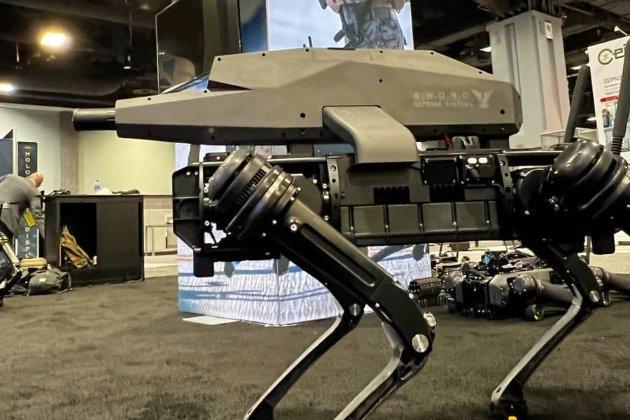 Американская компания вооружила своего робота снайперской винтовкой