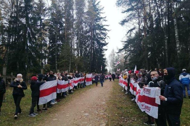 У Мінську — «Марш проти терору». Силовики зробили попереджувальні постріли і застосували світлошумові гранати