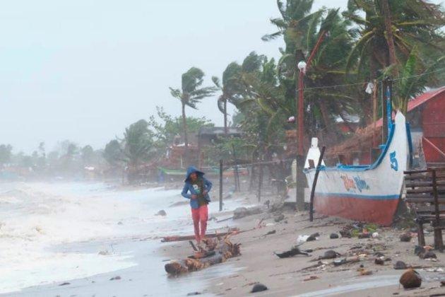 Тайфун «Гоні» пронісся Філіппінами — близько 347 тисяч евакуйованих