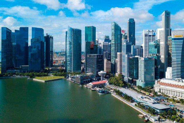Влада Сингапуру зобов'язала школярів використовувати жетони для відстеження контактів