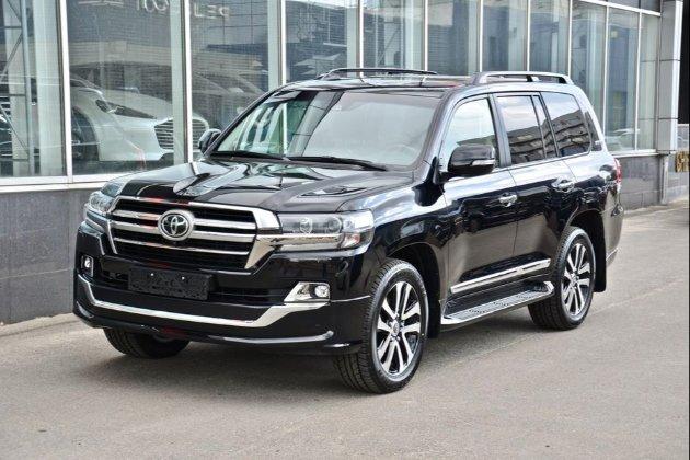 Нацбанк купив Toyota Land Cruiser за 2,4 млн грн і ще шість авто