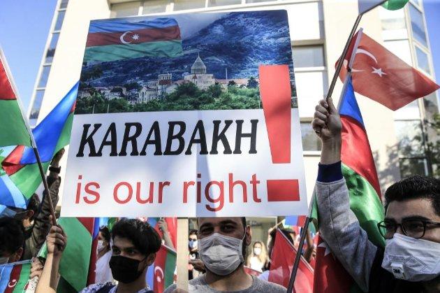 Франція забороняє турецьку ультранаціоналістичну групу «Сірі вовки»