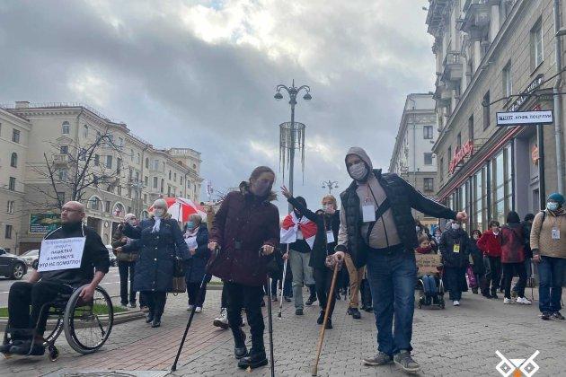У Мінську відбувся марш людей з обмеженими можливостями, силовики затримали кілька людей