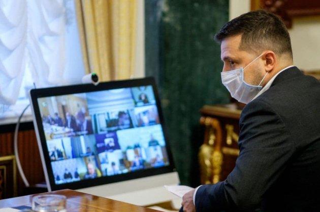 Зеленський і Єрмак працюють з дому онлайн. Разумков не бачить підстав виконувати президентські обов'язки