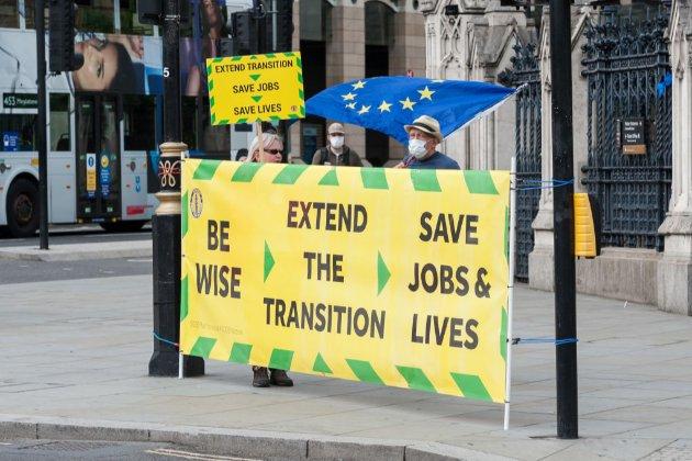 ЄС та Великобританія затягують торговельні переговори щодо Brexit