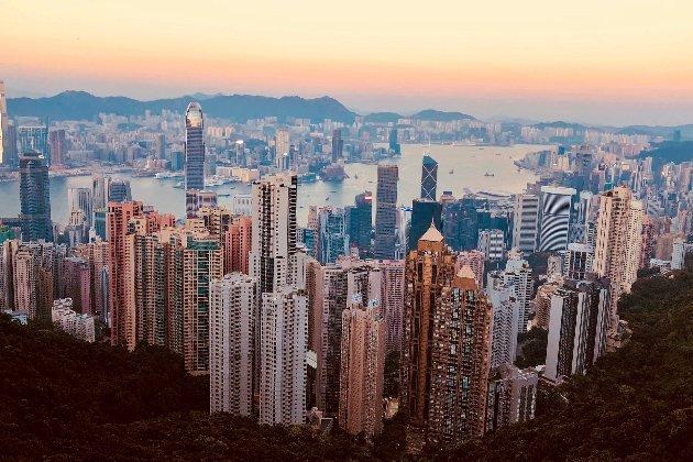 Знищення свободи. США пригрозили Китаю санкціями через відсторонення опозиційних депутатів у Гонконгу