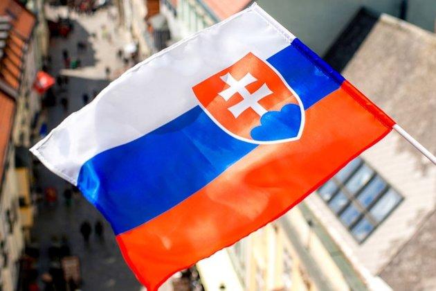 У Словаччині спадає кількість заражень, відкривають театри, кінотеатри, басейни та релігійні установи