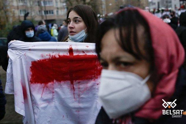 У Мінську — «Марш хоробрих» і затримання, силовики кидають світлошумові гранати по натовпу