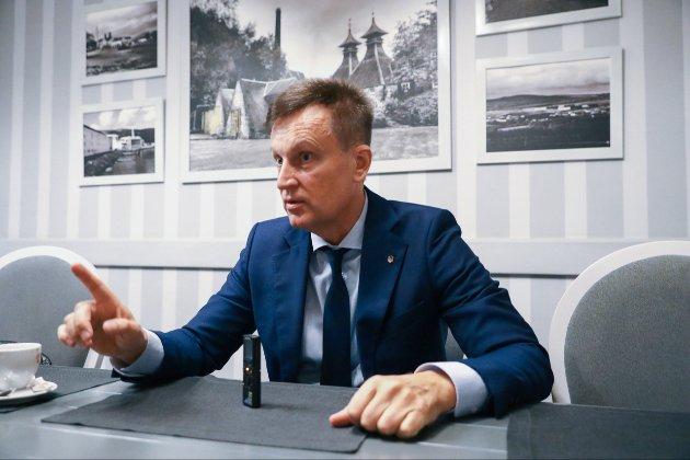 Ексглава СБУ сумнівається, що Зеленський розпустить Раду, коли та не підтримає його законопроєкт про КСУ