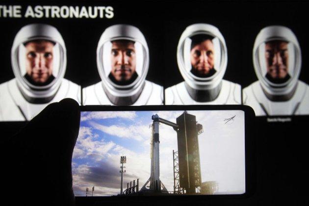 Вперше в історії. На МКС прибув приватний корабель Crew Dragon
