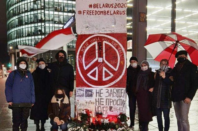 Мінськ відповідає на обмеження розширенням санкцій проти ЄС і Канади