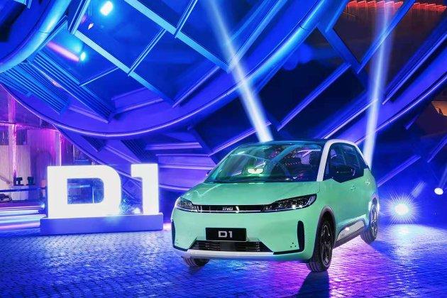Китайські фірми побудували перший електромобіль, призначений виключно для таксі