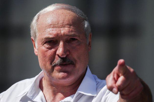 «Талановиті, здібні люди». Лукашенко заявив, що у Києві працює центр американських спецслужб