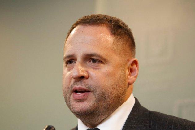 Керівник Офісу президента Єрмак вилікувався від COVID-19 і повертається до роботи в звичайному режимі