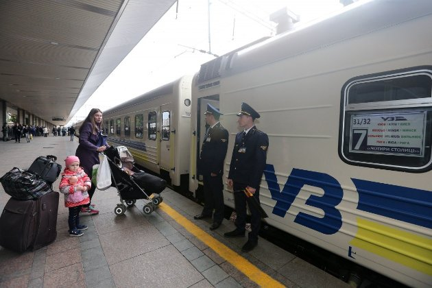 На новорічні свята ходитимуть додаткові потяги