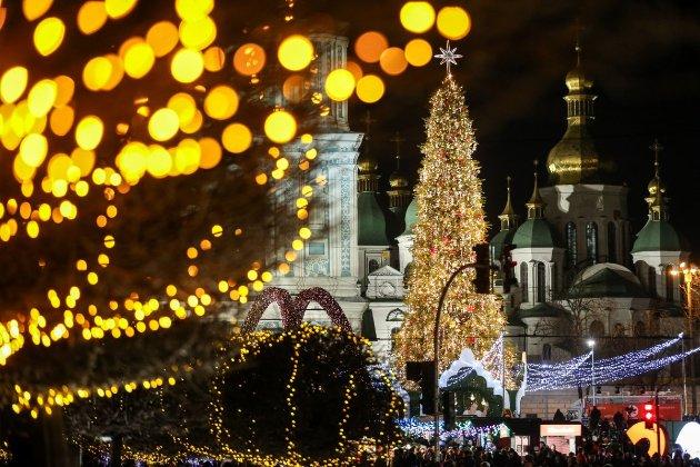«Подарунок» від Кабміну. Жорсткий локдаун в Україні може розпочатися вже з 1 грудня — ЗМІ