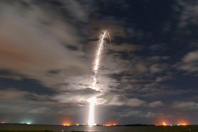 Ракета-носій Falcon 9 від SpaceX всьоме доставила вантаж на орбіту, встановивши рекорд