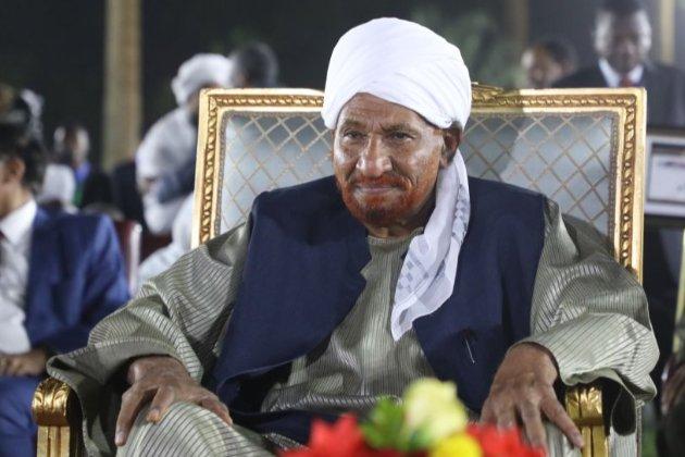 Коронавірус серед політиків. Колишній прем'єр-міністр Судана Садік аль-Махді помер від COVID-19