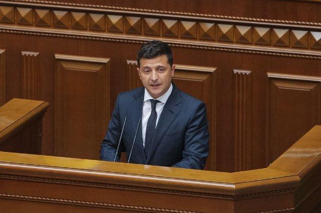 Відлуння скандалу навколо КСУ. Зеленський подав законопроєкт про відповідальність за брехню в декларації
