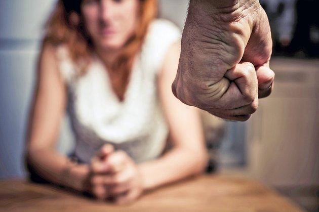 В Україні у 2020 році на 54% збільшилася кількість повідомлень про домашнє насильство