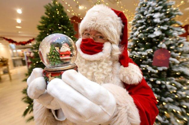 Свято наближається. Локдаун не завадить Санта-Клаусу доставити подарунки — Джонсон