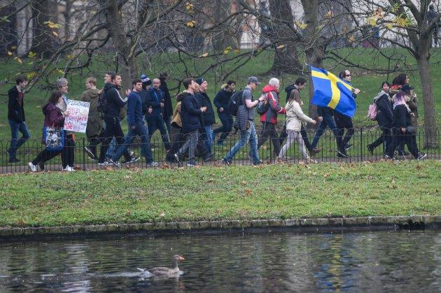 У Лондоні відбулися протести проти карантину, поліція затримала півтори сотні людей