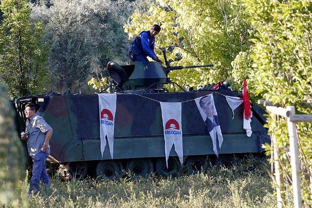 Туреччина наказала затримати 82 військовослужбовців за підозрою у спробі державного перевороту у 2016 році