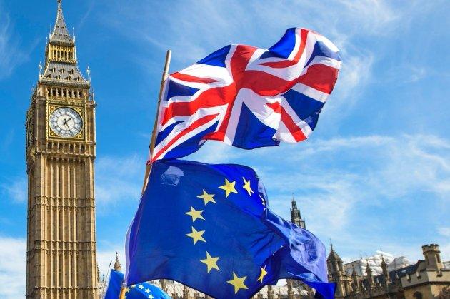 Переговори між Лондоном і Брюсселем зайшли у глухий кут щодо угоди за місяць до Brexit