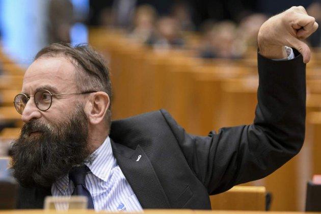 Секс, наркотики, Європарламент. Угорський депутат пішов у відставку після затримання на чоловічій секс-вечірці