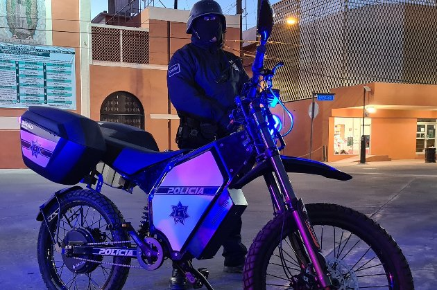 «Екологічна угода». Мексиканські поліцейські патрулюватимуть на електробайках з України
