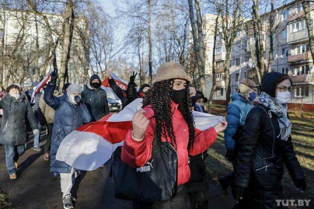 «У Новий рік без диктатури!». У містах Білорусі пройшов «Марш свободи», 170 затриманих