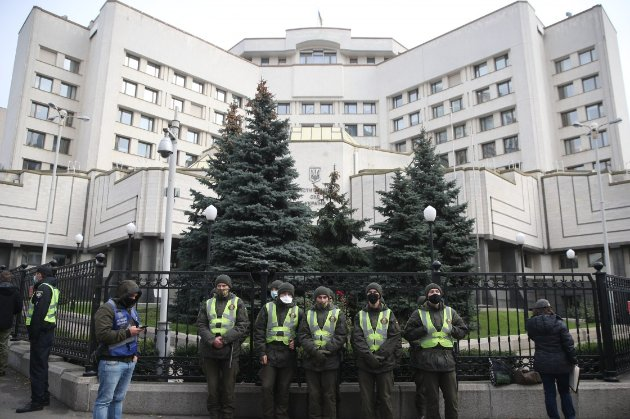 Разумков підписав закон про відновлення кримінальної відповідальності за неправдиве декларування