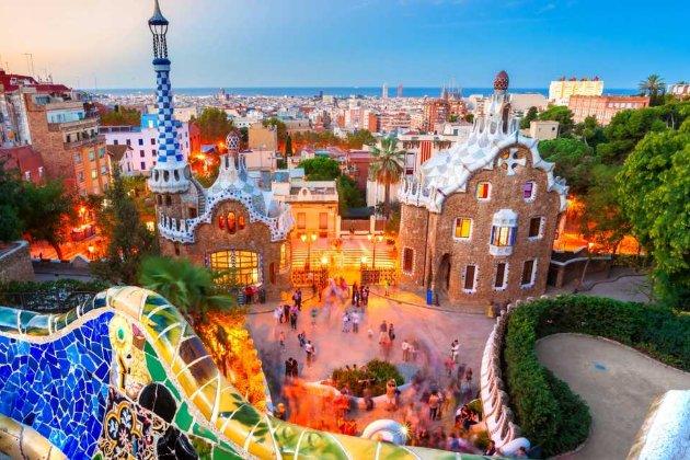 «Безпечна подорож». Іспанія пускатиме туристів без обмежень вже з березня 2021 року