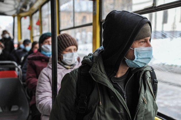 Уряд хоче запровадити локдаун в Україні з 8 по 25 січня — ЗМІ
