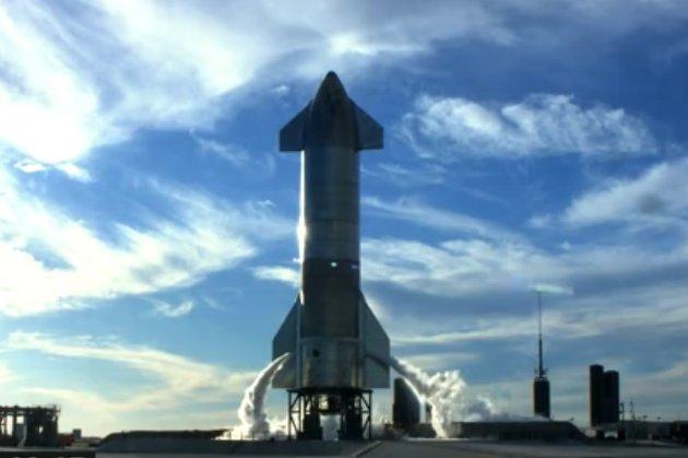 Тестова модель космічного корабля Starship після випробувального польоту вибухнула під час посадки (відео)