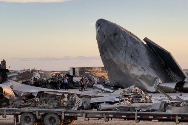SpaceX показала уламки космічного корабля Starship SN8. Він розбився при посадці