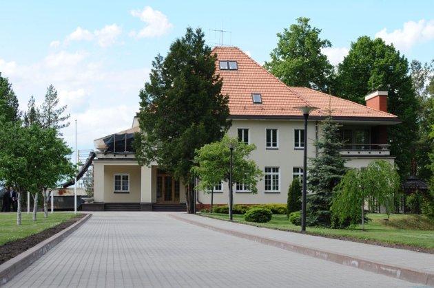 Зберіг цілих €359 тисяч із держбюджету! Президент Литви відмовився переїхати з вільнюського дому до резиденції