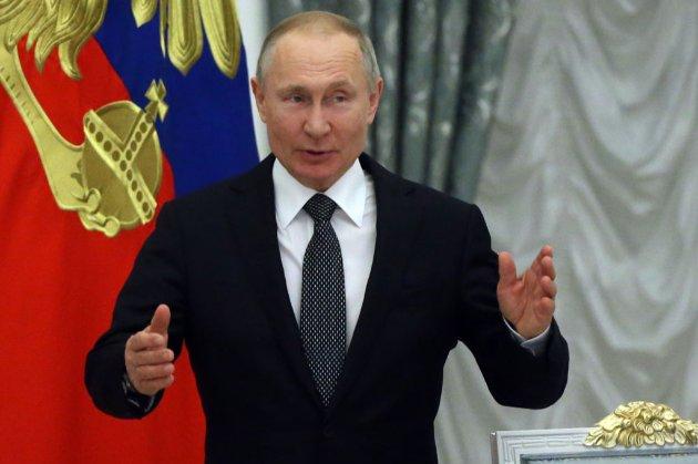 «Готовий до взаємодії». Путін нарешті привітав Байдена з перемогою на виборах