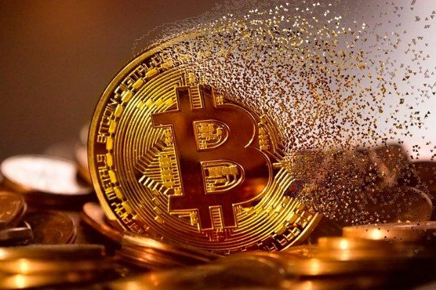 Рекордні показники. Курс Bitcoin перетнув поріг у $23 тис.