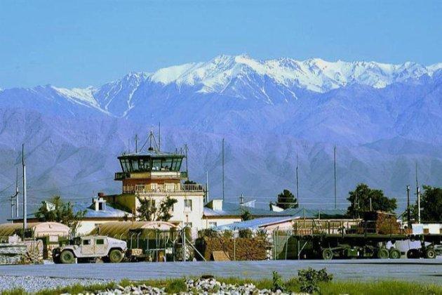 Головну військову базу НАТО в Афганістані обстріляли ракетами