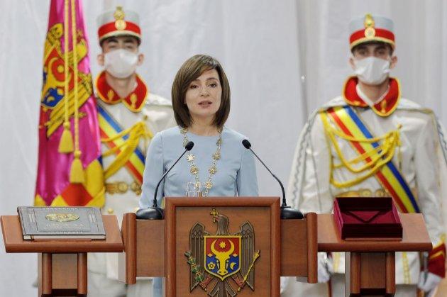 Прем'єр-міністр та уряд Молдови пішли у відставку для запуску дострокових парламентських виборів