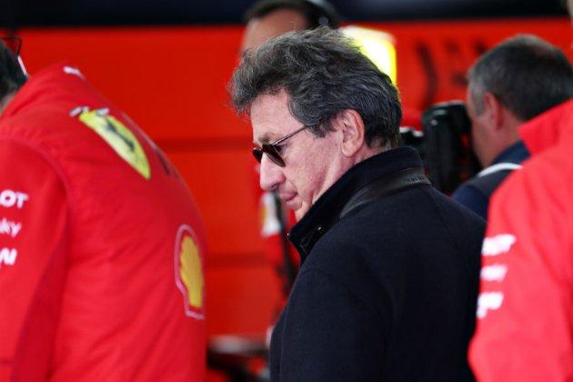 У Ferrari не можуть знайти заміну Луї Камільєрі. Зате у Philip Morris, де той працював раніше, кадрових проблем немає
