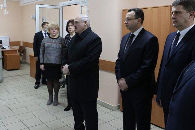 Миша з України не пролізе! Лукашенко заявив про ввезення до Білорусі «тонн зброї» з України