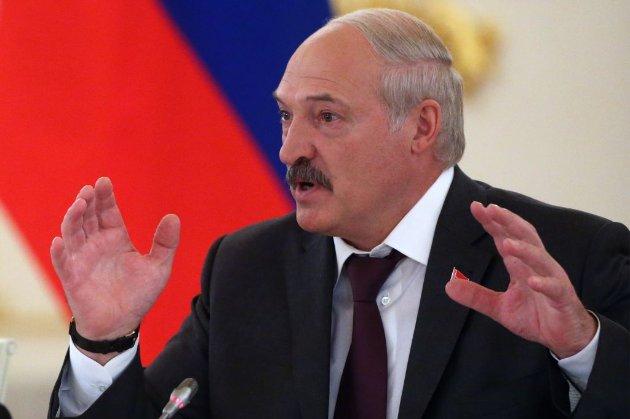 Київ назвав «черговими інсинуаціями» заяви Лукашенка про «зброю з України»