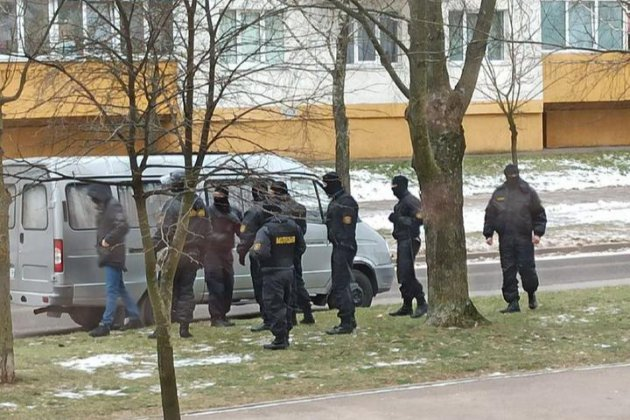«Самі собі «ляльководи». У Білорусі активісти вийшли на марш проти Лукашенка без попереднього анонсування