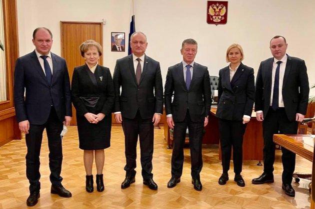 Експрезидент Молдови Додон після інавгурації Санду поїхав до Москви